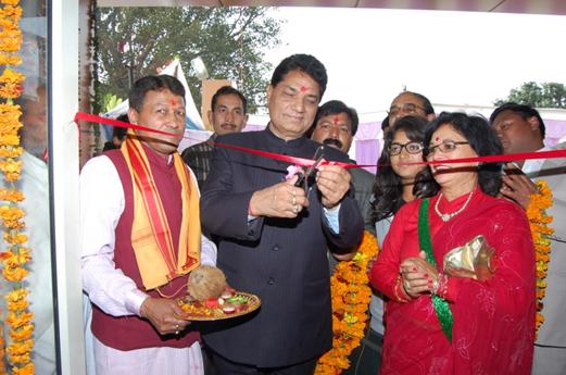Einweihung des Kalindi Krankenhauses durch Gesundheitsminister Surendra Singh Negi